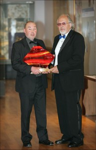 Keith Salmon receives Jolomo Award 2009