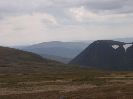 From the broad ridge near Cairn of Claiss