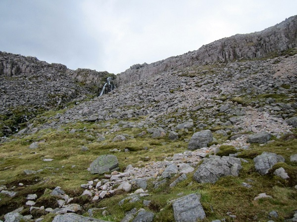 Below Conival, a steep descent