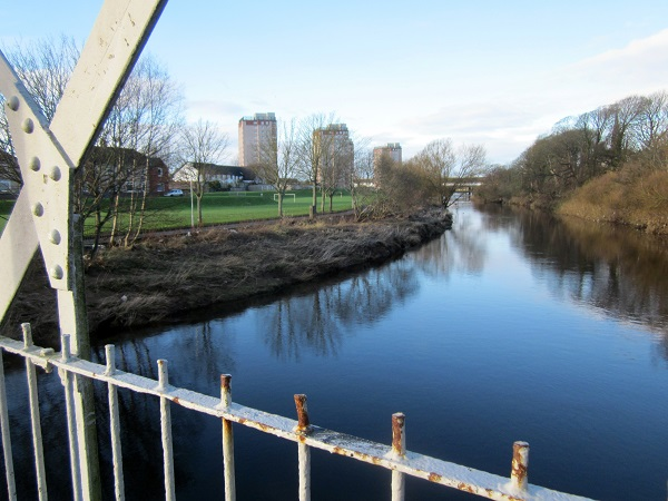 The River Irvine on the New Town Trail